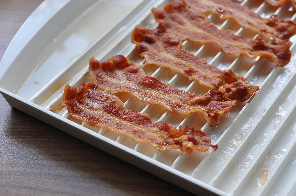 perfekter Bacon knuspriger bacon-Knuspriger Bacon Mikrowelle 03-Knuspriger Bacon: In nur 3 Minuten perfekt krosser Speck!