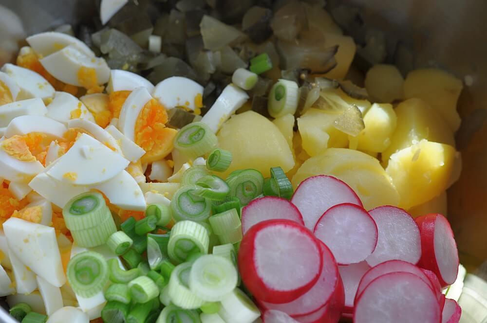 Sandras Kartoffelsalat sandras kartoffelsalat-SandrasKartoffelsalat01-Sandras Kartoffelsalat mit Ei und Gurke