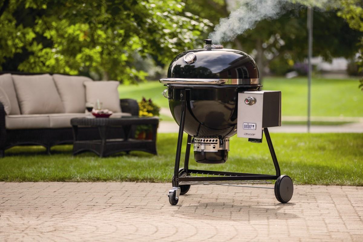 der neue weber summit charcoal grill bbqpit. Black Bedroom Furniture Sets. Home Design Ideas