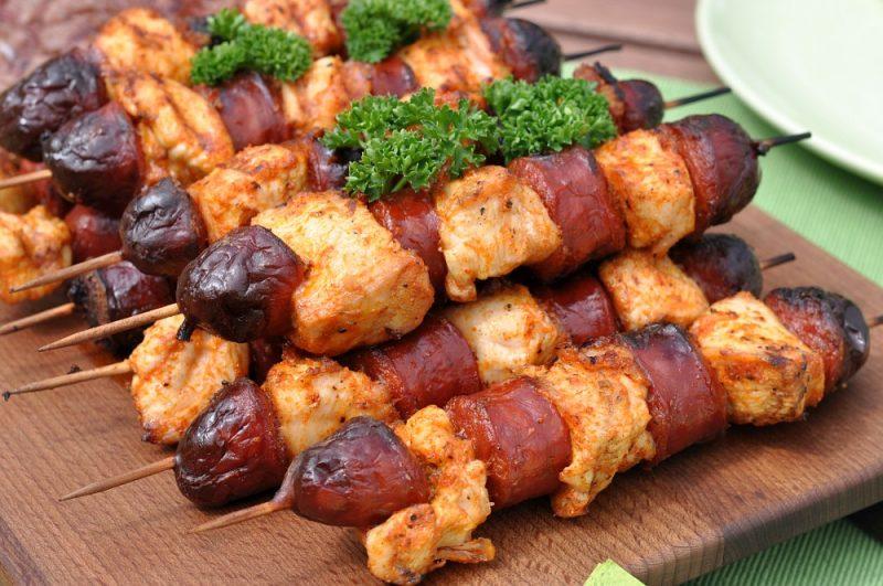 Chicken-Chorizo-Spieße-Chicken Chorizo Spiesse 04 800x531-Herzhafte Chicken-Chorizo-Spieße