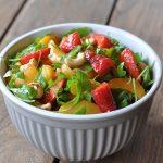 Salat mit Erdbeeren sommersalat-Fruchtiger Sommersalat Erdbeeren Aprikosen Rucola 150x150-Fruchtiger Sommersalat mit Erdbeeren, Aprikosen und Rucola