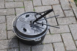 Campmaid petromax pro-ft-Petromax Pro Ft Campmaid Dutch Oven Zubeh  r 02 300x199-Petromax pro-ft – innovatives Dutch Oven Zubehör by CampMaid