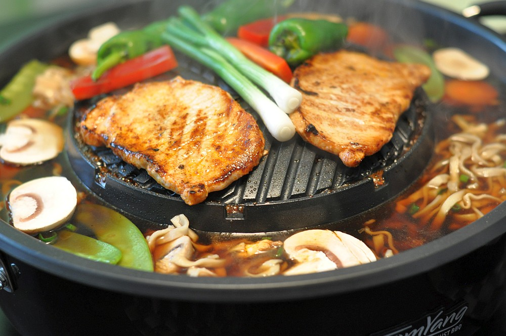Gegrilltes Steak und Gemüse tomyang bbq-Tom Yang BBQ Lifestyle Grill 09-TomYang BBQ – Thai Lifestyle Tischgrill Hot Pot im BBQPit-Test