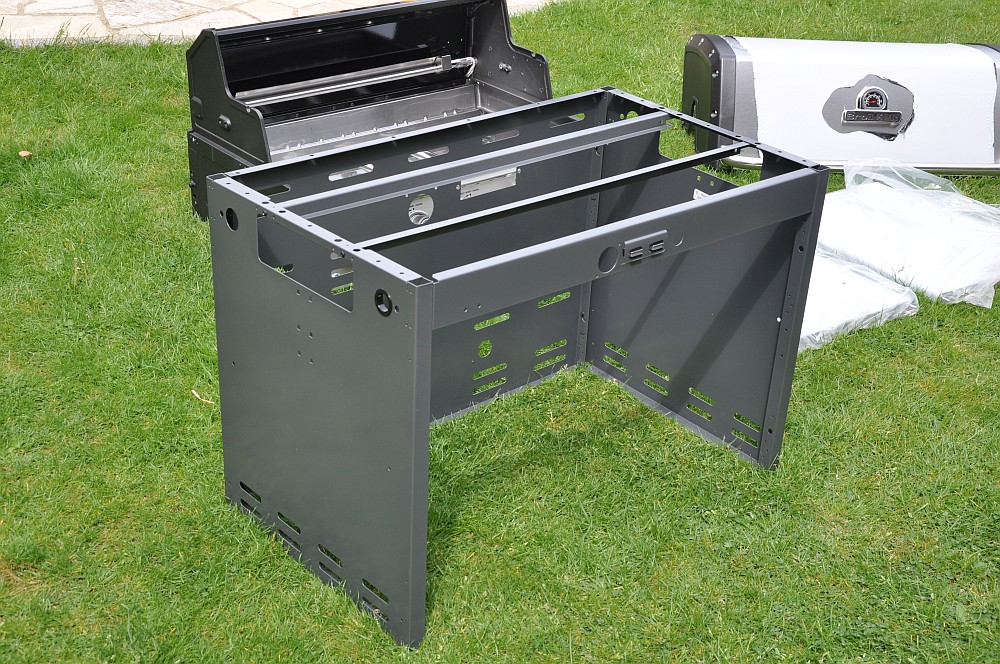 gasgrill test broil king kleinster mobiler gasgrill. Black Bedroom Furniture Sets. Home Design Ideas