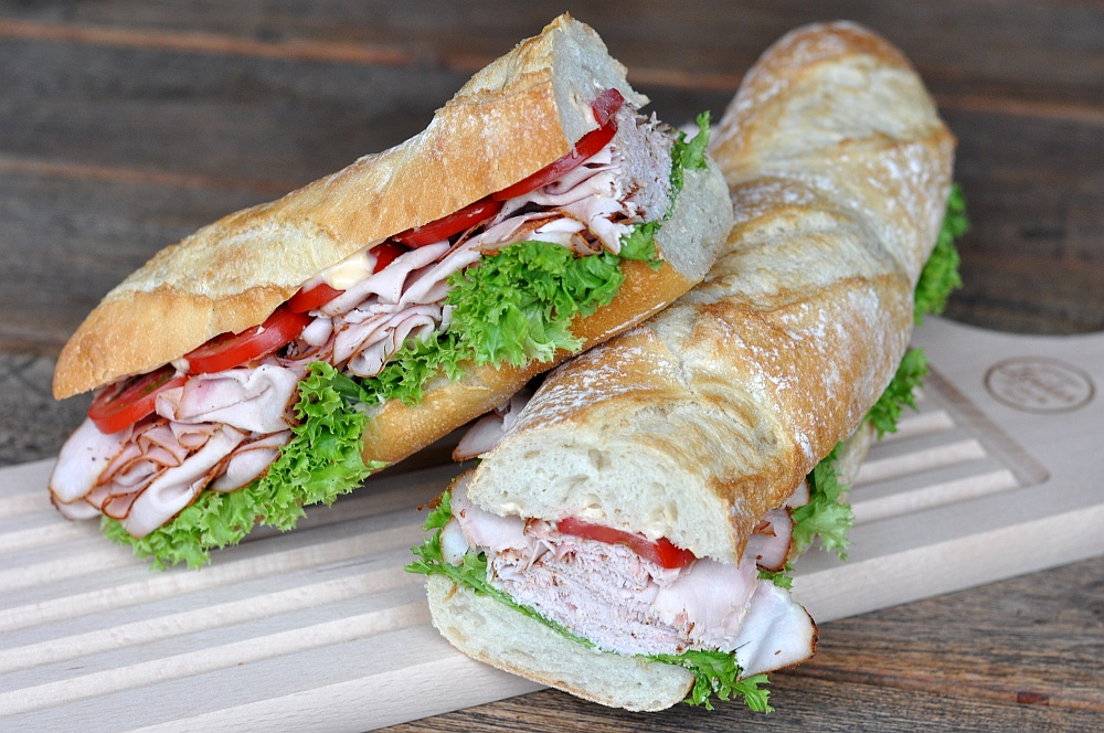 Puten-Pastrami-Sandwich Puten-Pastrami-Sandwich – Baguette mit geräucherter Putenbrust-puten-pastrami-sandwich-PutenPastramiBaguette02