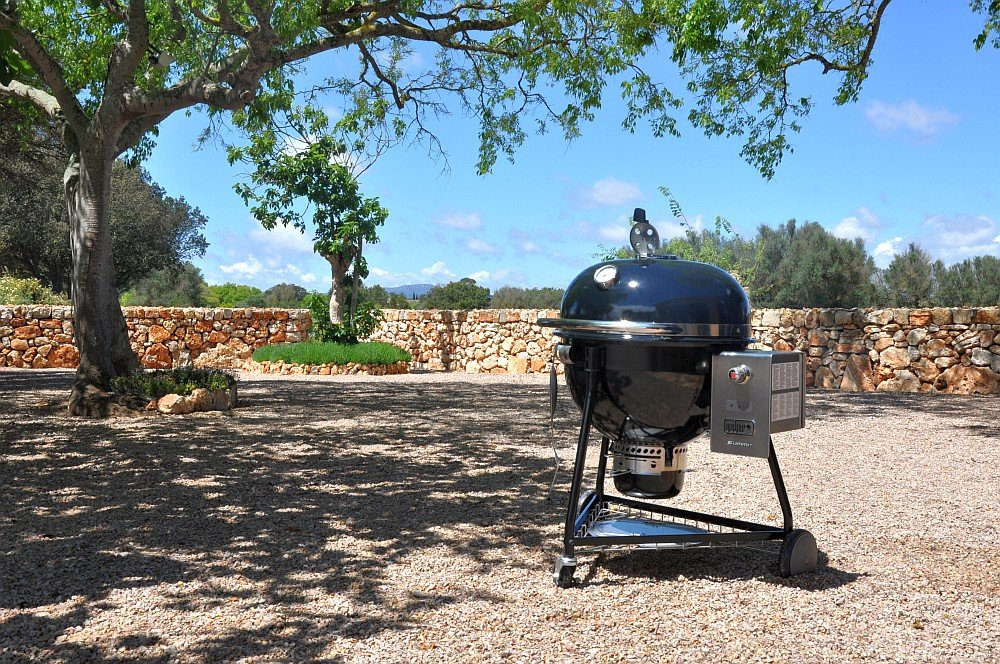 Test Summit Charcoal Präsentation & Test des Weber Summit Charcoal Grills auf Mallorca-summit charcoal-Weber Summit Charcoal Holzkohlegrill Praesentation Mallorca erster Test 04