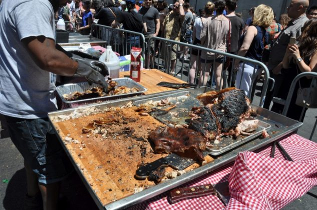 big apple bbq block party-Big Apple BBQ Block Party 2016 16 633x420-Big Apple BBQ Block Party 2016 in New York