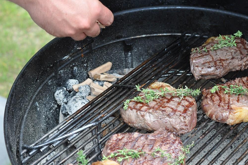 Geräucherte Steaks geräucherte steaks-Geraeucherte Steaks mit Thymian 03-Geräucherte Steaks mit Thymian