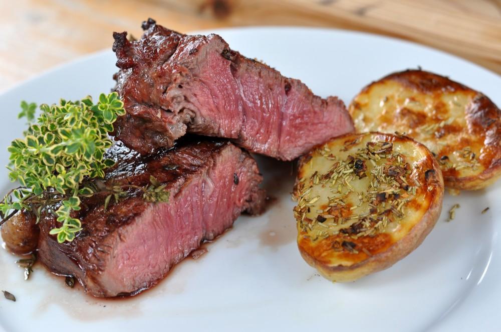 Geräucherte Steaks Geräucherte Steaks mit Thymian-geräucherte steaks-Geraeucherte Steaks mit Thymian 05