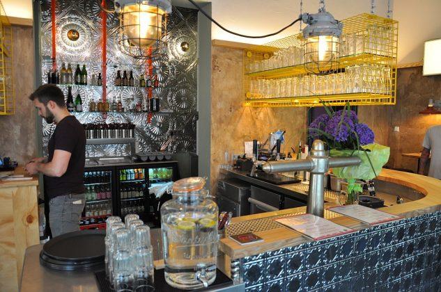 Otto's Burger im Schanzenviertel-Ottos Burger Eroeffnung Schanze 12 633x420-Neueröffnung Otto's Burger im Schanzenviertel / Hamburg