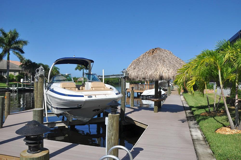 """Motorboot Cape Coral Villa Sedona in Cape Coral / Florida – die """"Grillvilla""""-villa sedona-Villa Sedona Cape Coral Florida Grillvilla 03"""