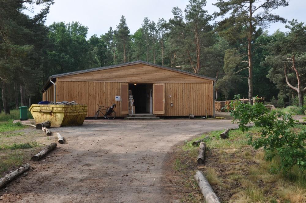 Räucherholz Heidesee Axtschlag BBQ Wood – Zu Besuch in der Räucherholzproduktion-axtschlag-Axtschlag BBQ Wood Raeucherholz 02