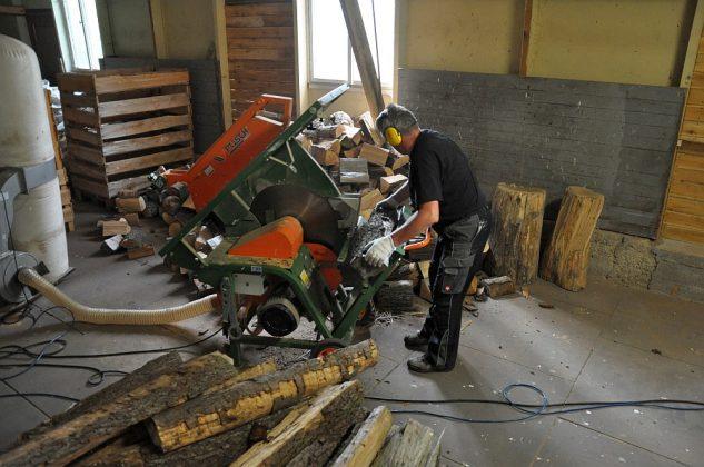 axtschlag-Axtschlag BBQ Wood Raeucherholz 13 633x420-Axtschlag BBQ Wood – Zu Besuch in der Räucherholzproduktion
