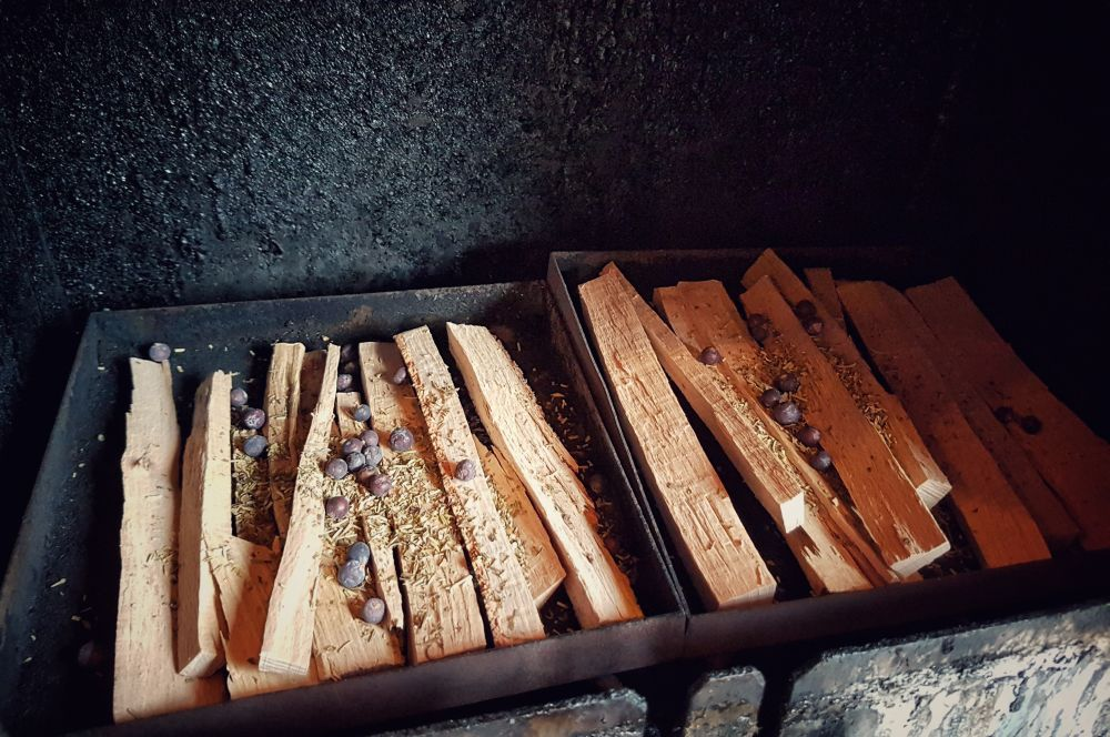 Forellen heißräuchern  Geräucherte Forellen – Anleitung Fische räuchern-geräucherte forellen-Geraeucherte Forellen Anleitung Fische raeuchern 03