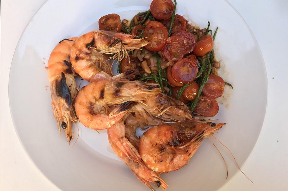 Gegrillte Garnelen mit Salicorne Meeresalgen & Kirschtomaten vom O.F.B Gegrillte Garnelen mit Salicorne & Kirschtomaten vom O.F.B-gegrillte garnelen-Gegrillte Garnelen Salicorne Meeresalgen Kirschtomaten 06