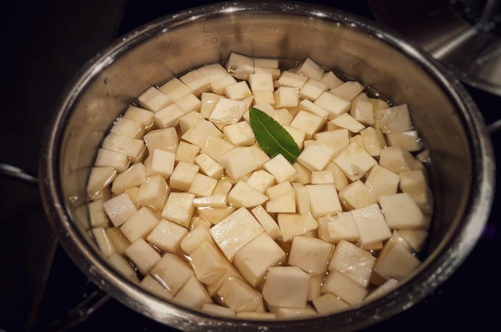 Kartoffel-Selleriepüree onglet-Onglet Sellerie Kartoffelpueree 03-Onglet mit getrüffeltem Sellerie-Kartoffelpüree