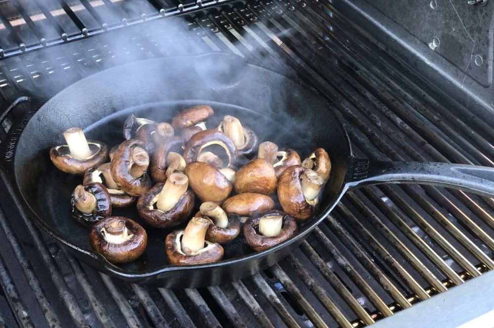 Gebratene Champignons Gebratene Champignons mit Knoblauch-Dip wie vom Weihnachtsmarkt-gebratene champignons-Gebratene Champignons wie vom Weihnachtsmarkt 03
