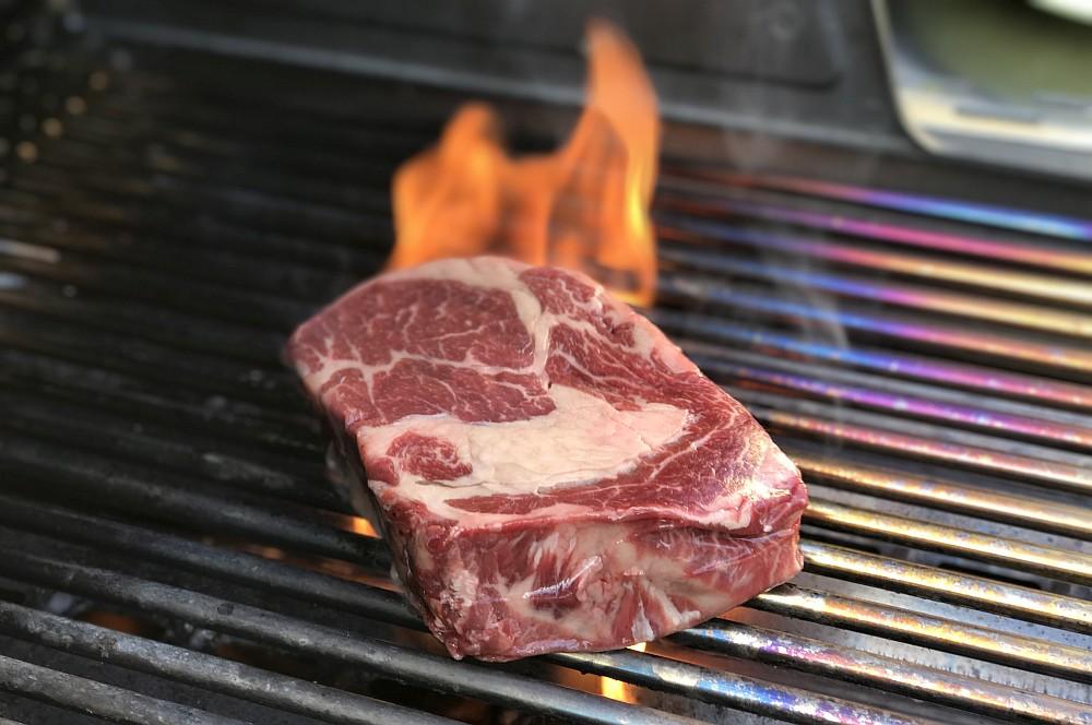 irisches Entrecôte Irisches Entrecôte-Steak / dry-aged RibEye mit Chimichurri-irisches entrecôte-Irisches Entrecote Steak dry aged RibEye Chimichurri 02