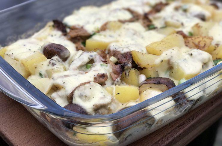 Pulled Pork Auflauf mit Kartoffeln und Raclette-Käse