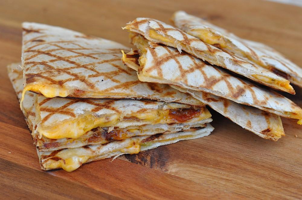 Quesadillas quesadillas-Quesadillas Bacon 05-Quesadillas mit Bacon und Frühlingszwiebeln