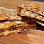 Quesadillas mit Bacon quesadillas-Quesadillas Bacon 150x150-Quesadillas mit Bacon und Frühlingszwiebeln