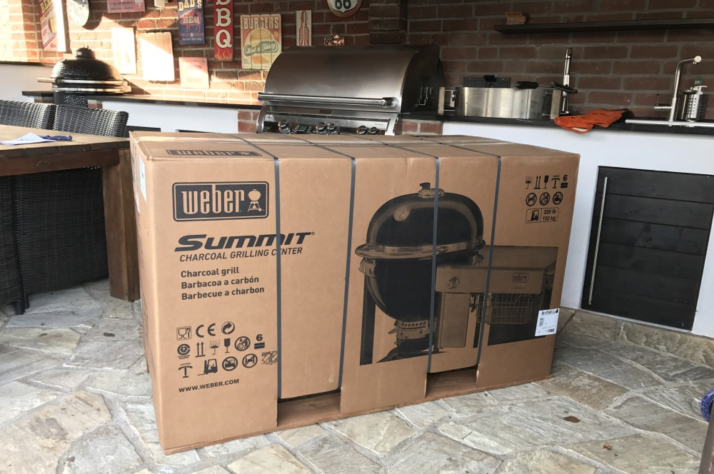 Weber Summit Charcoal Grill Center Weber Summit Charcoal Grill Center – Unboxing & erste Eindrücke-weber summit charcoal grill center-Weber Summit Charcoal Grill Center 01