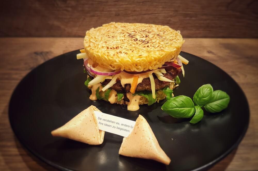 Asiatischer Ramen Burger Ramen Burger Asia-Style-Ramen Burger-Asiatischer Ramen Burger 04