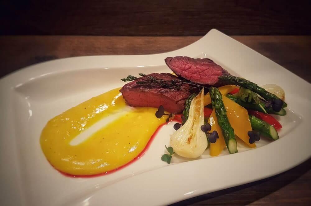 Albers Chuck Eye Sierra Cut sierra cut-Sierra Cut 03-Sierra Cut Steak mit karamellisiertem Gemüse
