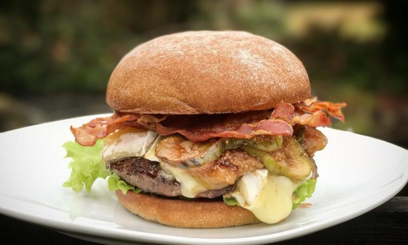 brie burger-Brie Burger mit Feigen 800x481-Brie Burger mit Feige und Bacon