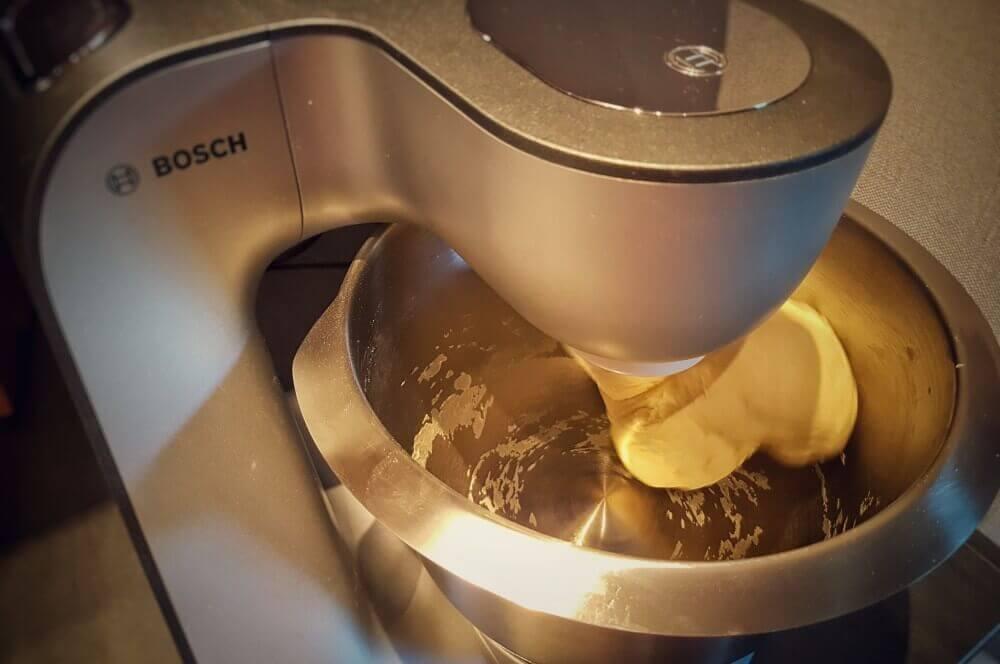 Bosch MUM 5 brötchen-Broetchen Baeckerbroetchen Sonntagsbroetchen 06-Brötchen backen – Rezept für Bäckerbrötchen / Sonntagsbrötchen
