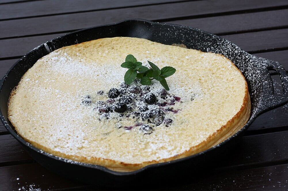 Dutch Pancake Ofenpfannkuchen dutch pancake-Dutch Pancake Ofenpfannkuchenmit Blaubeeren 04-Dutch Pancake – Ofenpfannkuchen mit Blaubeeren
