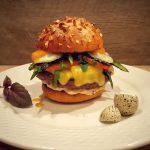 Burger mit Wachtelei und Spargel Wagyu Chili Cheese Burger mit Wachtelei und Spargel-wagyu chili cheese burger-Wagyu Chili Cheese Burger 150x150