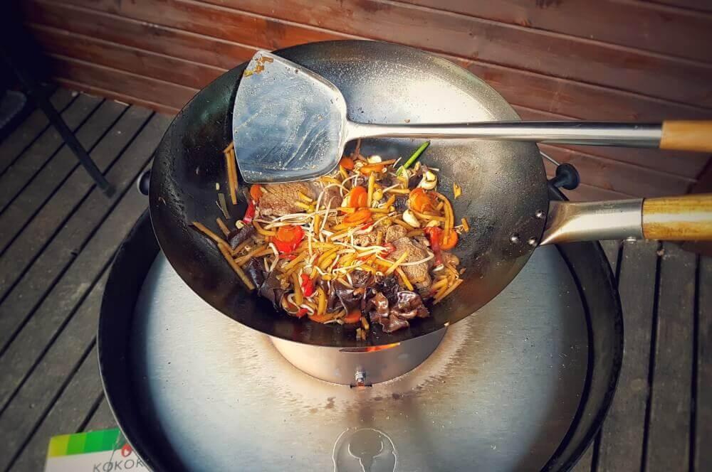 Asiatisches Rinderfilet Asiatische Rinderfiletstreifen mit Gemüse und Cashews aus dem Wok-asiatische rinderfiletstreifen-Asiatische Rinderfiletstreifen Wok 03