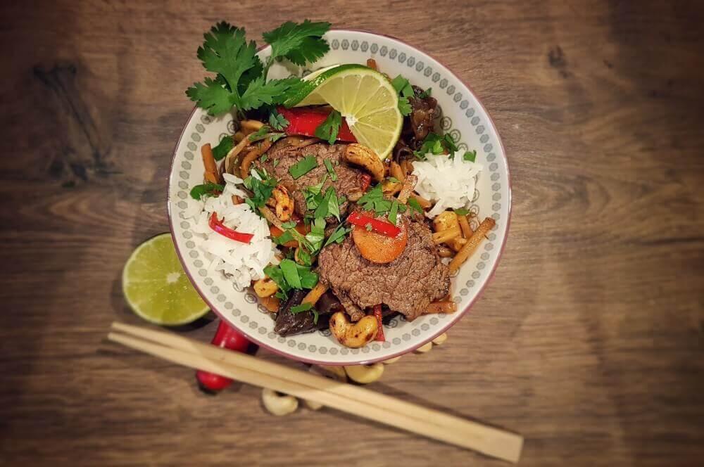 Asiatische Rinderfiletstreifen Asiatische Rinderfiletstreifen mit Gemüse und Cashews aus dem Wok-asiatische rinderfiletstreifen-Asiatische Rinderfiletstreifen Wok 04