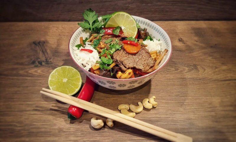 asiatische rinderfiletstreifen-Asiatische Rinderfiletstreifen Wok 800x481-Asiatische Rinderfiletstreifen mit Gemüse und Cashews aus dem Wok