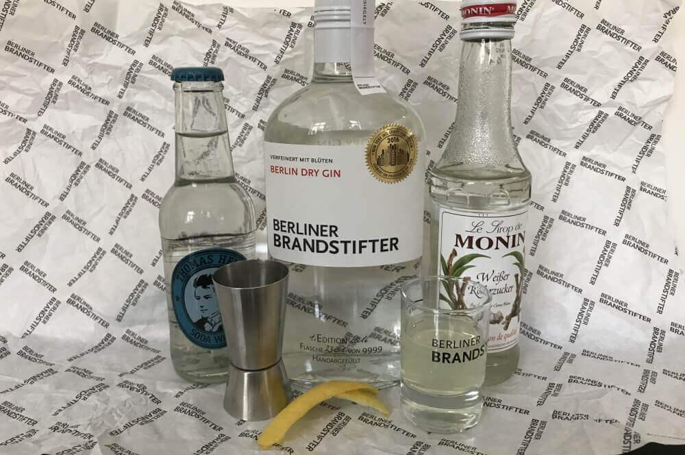 Berliner Brandstifer Gin Gin Fizz – der erfrischende Cocktail-Klassiker-gin fizz-GinFizz 01