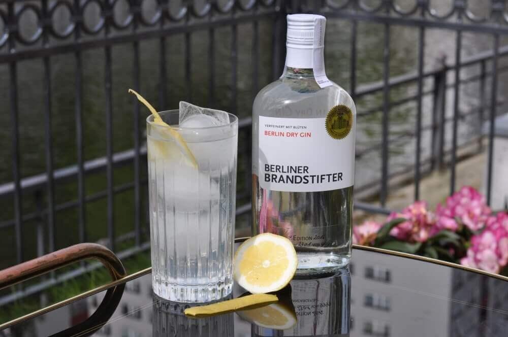 Gin Fizz Gin Fizz – der erfrischende Cocktail-Klassiker-gin fizz-GinFizz 02