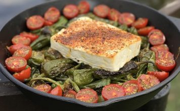 Pimientos de Padrón mit Feta und Tomaten bbqpit-Bratpaprika Pfanne Pimientos de Padron Feta 356x220-BBQPit.de das Grill- und BBQ-Magazin – Grillblog & Grillrezepte