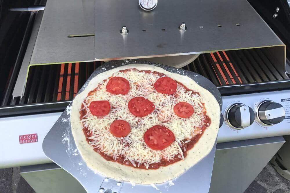 Moesta-BBQ PizzaCover Moesta-BBQ PizzaCover – Endlich perfekte Pizza vom Gasgrill!-moesta-bbq pizzacover-Moesta BBQ PizzaCover Flex 10