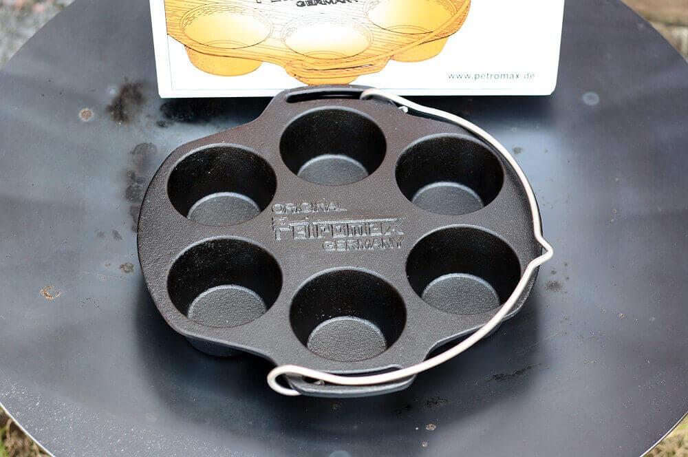 Petromax Muffinform mf6 petromax muffinform-Petromax Muffinform mf6 02-Petromax Muffinform mf6 – Gusseiserne Backform für Muffins & Co.