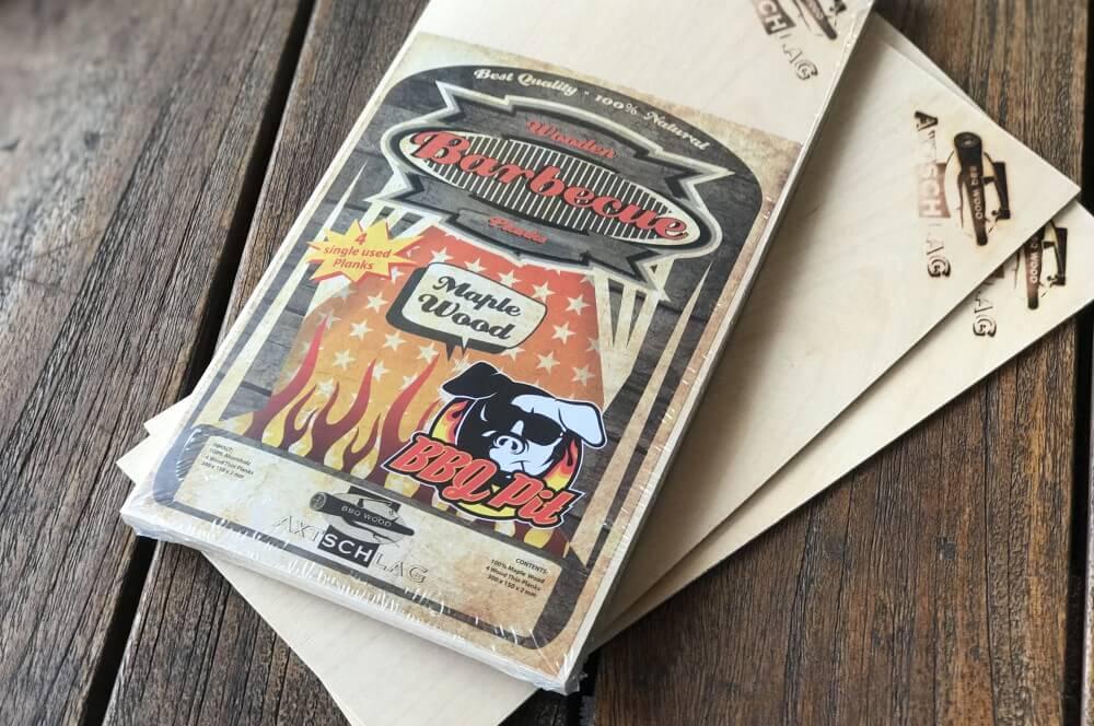 BBQPit Einmal-Grillplanken aus Ahorn-Holz bbqpit einmal-grillplanken-BBQPit Einmal Grillplanke Maple Wood Axtschlag 05-BBQPit Einmal-Grillplanken aus Ahorn (Maple Wood) von Axtschlag