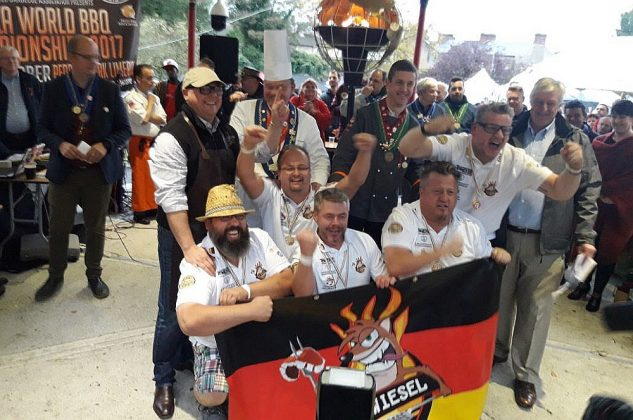 grill-weltmeister-Grill Weltmeister 2017 BBQ Wiesel 24 633x420-Grill-Weltmeister 2017 mit den BBQ Wieseln