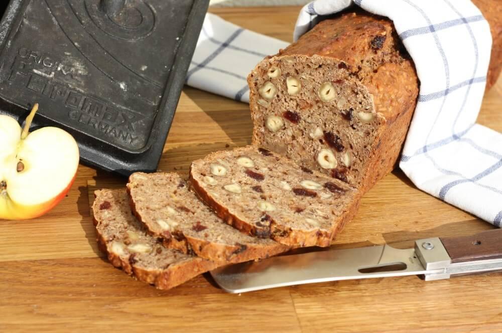 Apfel-Nuss-Brot apfel-nuss-brot-Apfel Nuss Brot 05-Apfel-Nuss-Brot mit Cranberries und Nüssen