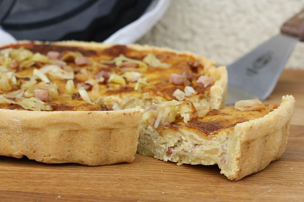 Quiche Lorraine quiche lorraine-Quiche Lorraine franzoesischer Speckkuchen 08-Quiche Lorraine – Rezept für französischen Speckkuchen