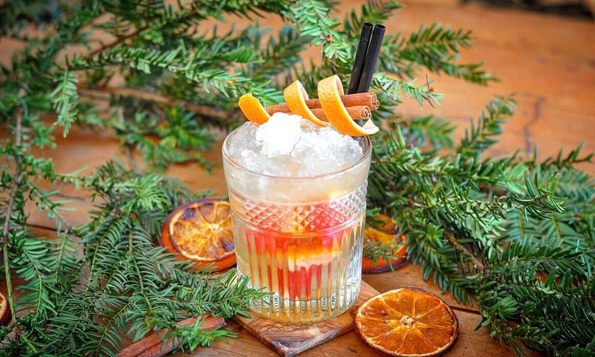 gingle bells weihnachtlicher cocktail mit gin und zimt. Black Bedroom Furniture Sets. Home Design Ideas