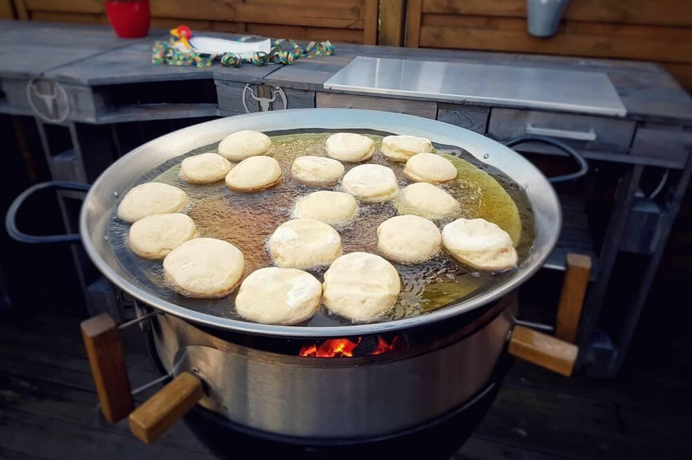 Berliner aus der Moesta Pan'BBQ berliner vom grill-Berliner vom Grill Moesta PanBBQ 03-Berliner vom Grill aus der Moesta Pan'BBQ