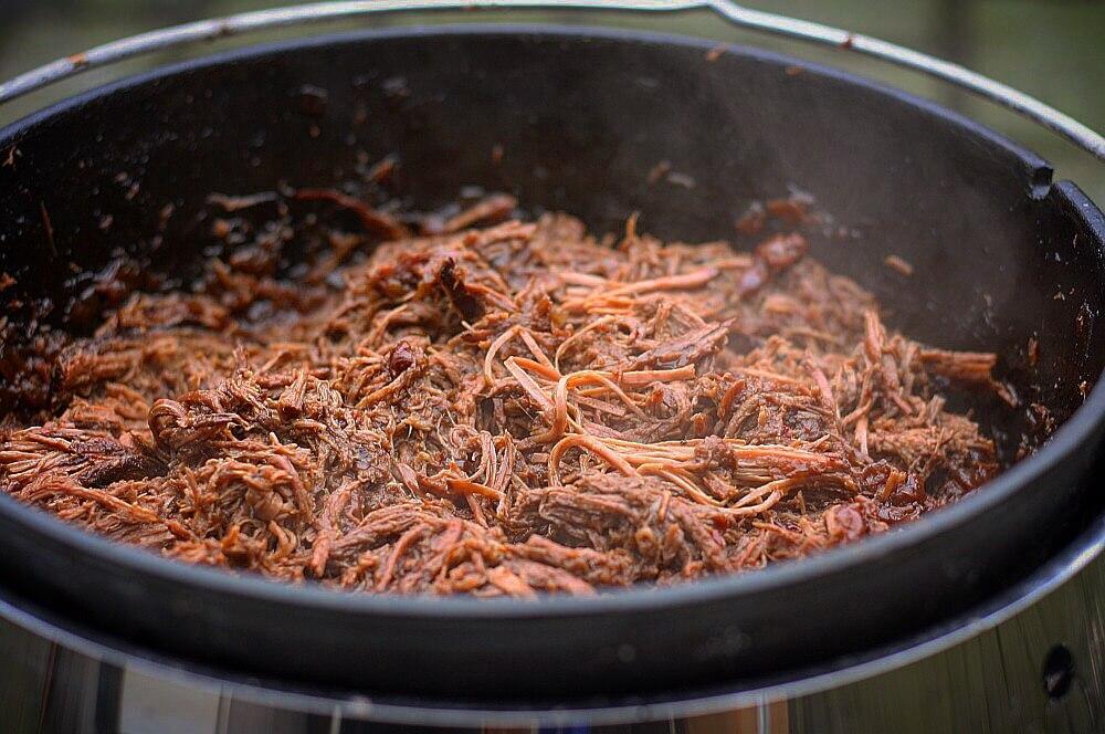 Colafleisch colafleisch-Colafleisch Dutch Oven Feuertopf 04-Colafleisch aus dem Dutch Oven