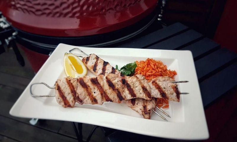souvlaki-Souvlaki vom Grill 800x481-Souvlaki selber machen – Griechische Fleischspieße vom Grill