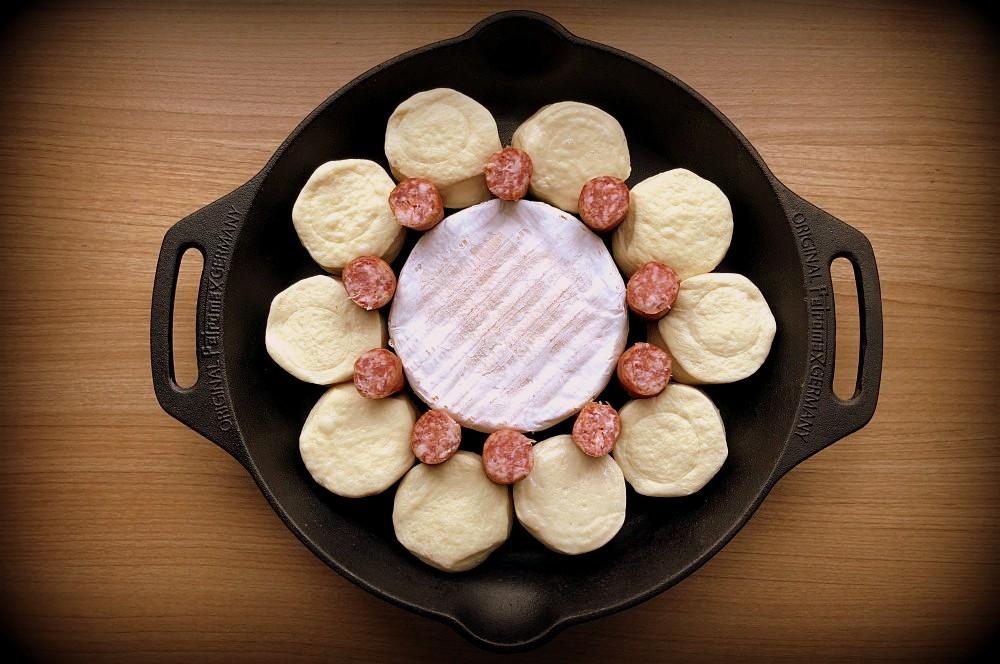 Brötchensonne käsesonne-Kaesesonne mit Mettwurst 02-Käsesonne / Brötchensonne mit Camembert und Mettwurst