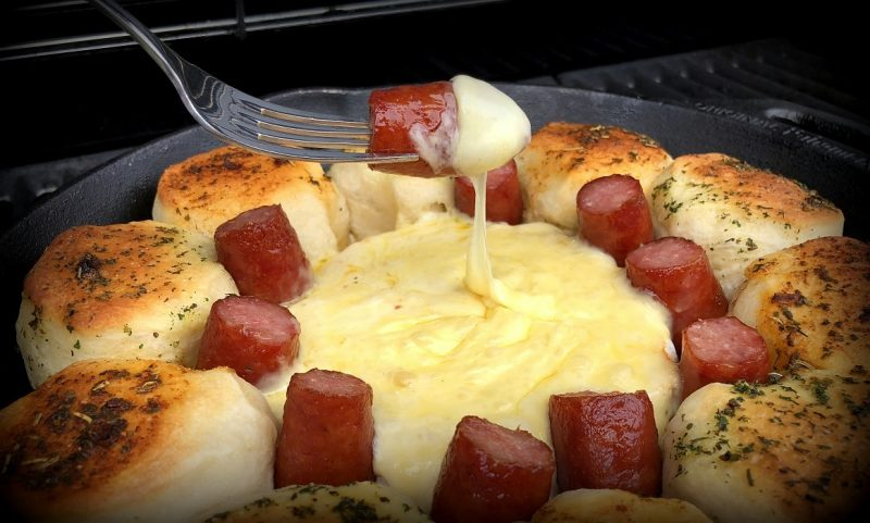 käsesonne-Kaesesonne mit Mettwurst 800x481-Käsesonne / Brötchensonne mit Camembert und Mettwurst